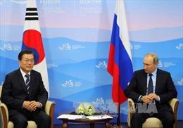 Tổng thống Hàn Quốc và Nga hội đàm tại Singapore