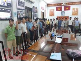 Tiếp tục triệt phá tụ điểm đánh bạc tại TP Hồ Chí Minh, tạm giữ hàng chục đối tượng