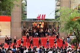 H&M, Zara đổ bộ, thời trang hàng hiệu có bùng nổ?