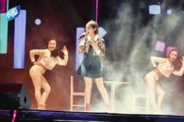 Đêm nhạc hội 'Back To School'  - Pushmax khiến teen Hà Thành 'quẩy đã' như thế này đây