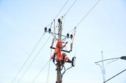 Hơn 1,3 triệu khách hàng bị ảnh hưởng do bão số 10 đã có điện trở lại