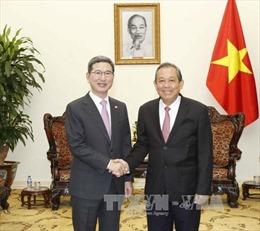 Phó Thủ tướng Trương Hòa Bình tiếp Chủ tịch Nhóm Nghị sỹ hữu nghị Hàn Quốc - Việt Nam