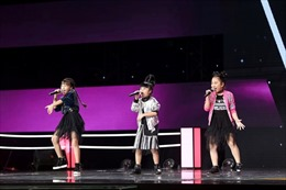 Vòng đối đầu The Voice Kids 2017: 'Bùng nổ' với 3 con quạ của team Tràm- Tiên
