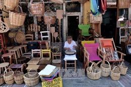 Hy Lạp thoát khỏi danh sách 'báo động đỏ' thâm hụt ngân sách