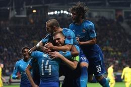 Arsenal 'dạo chơi' tại Europa League