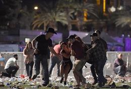 Hiện trường vụ xả súng kinh hoàng ở Las Vegas làm 58 người chết, hơn 500 người bị thương