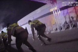 Video cảnh sát Mỹ vượt 'mưa đạn' trong vụ xả súng Las Vegas