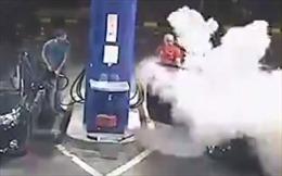 'Trái đắng' do hút thuốc tại trạm xăng