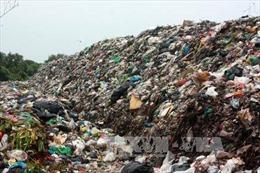 Phát hiện bãi rác công nghiệp chưa qua xử lý tại Bình Dương