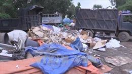 Bình Dương: Xử lý hành vi đổ rác thải nguy hại giữa khu dân cư