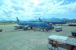 Các hãng hàng không điều chỉnh lịch bay do ảnh hưởng của bão số 12