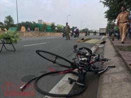 'Xe điên' đâm chết người đàn ông chạy xe đạp lúc rạng sáng