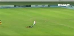 Xem pha ghi bàn nhanh kỷ lục của 'Usain Bolt' trên sân cỏ