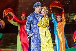 Đám cưới rộn ràng của Mai Tiến Dũng và Lý Thu Thảo trong bản Bolero 'Duyên quê'