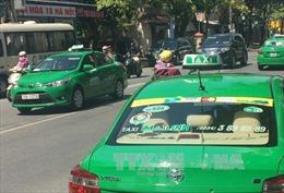 Bắt nóng đối tượng chém lái xe, cướp taxi