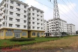 Ba tòa nhà tái định cư bỏ hoang tại Sài Đồng (Long Biên) có kiến trúc không phù hợp