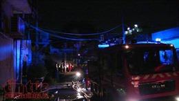 Cháy kho xưởng rộng hàng trăm m2, công nhân sơ tán khẩn cấp