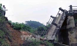 Hà Tĩnh: Nhiều tuyến đê, kè ven biển hư hỏng nặng sau mưa bão