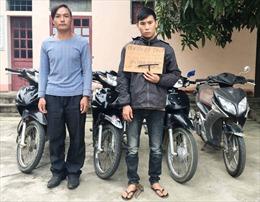 Hà Tĩnh: Khởi tố 2 đối tượng chuyên trộm xe máy ven đường