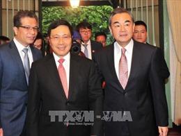 Phó Thủ tướng, Bộ trưởng Ngoại giao Phạm Bình Minh hội đàm với Bộ trưởng Ngoại giao Trung Quốc