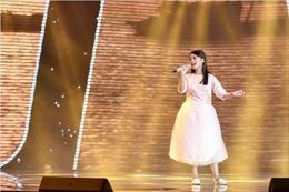 The Voice Kids 2017: Ngọc Ánh team Vũ Cát Tường hát 'Xa khơi' khiến sân khấu 'nổi sóng'