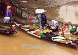 Nước lũ lên trở lại, nhiều tuyến đường ở thành phố Huế ngập sâu