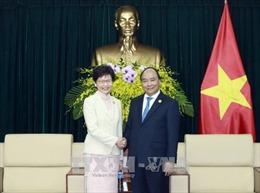 APEC 2017: Thủ tướng Nguyễn Xuân Phúc tiếp Trưởng Khu hành chính đặc biệt Hong Kong, Trung Quốc