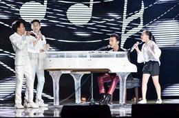 The Voice Kids: Soobin Hoàng Sơn 'thả thính', muốn đánh đàn cho Cát Tường hát dân ca