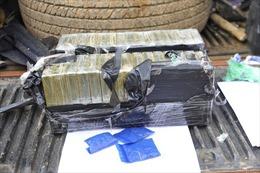Bắt giữ vụ vận chuyển trái phép 30 bánh heroin trên cao tốc Hà Nội - Thái Nguyên