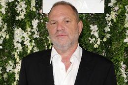 Hollywood 'tê liệt' sau một loạt bê bối tình dục