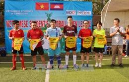 Sinh viên Việt Nam, Campuchia giao hữu bóng đá