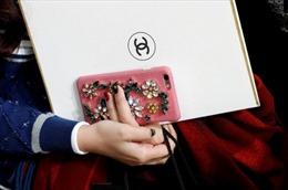 Vì sao Chanel không màng bán hàng trực tuyến?