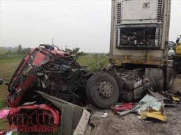 Sáu ô tô đâm liên hoàn, ách tắc nghiêm trọng trên tuyến tránh TP Vinh, Nghệ An