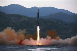 Triều Tiên vừa phóng ICBM, Hàn Quốc tập trận tên lửa