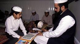 Sách ở trường Hồi giáo: Được phép đánh nếu vợ từ chối 'chuyện ấy'