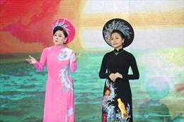Trần Uyên Phương lần đầu tiên đóng vai 'người đẹp ca hát' trong gameshow Quyền lực ghế nóng
