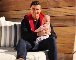 Cristiano Ronaldo sở hữu trang Instagram nhiều người theo dõi thứ hai thế giới