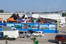 Lốc xoáy tại Móng Cái, 60 gian hàng hội chợ tan hoang