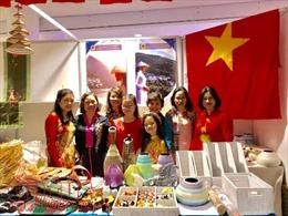Việt Nam tham gia hội chợ từ thiện 'CHARITY BAZAAR' tại Kiev