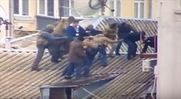 Tình báo Ukraine 'dàn trận' bắt cựu Tổng thống Gruzia trên mái nhà