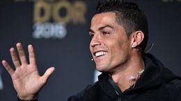 Thầy trò Ronaldo cùng khẳng định anh xuất sắc nhất thế giới