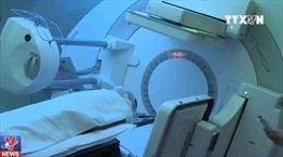 86% ca ung thư phổi sống sau 3 năm xạ trị bằng proton