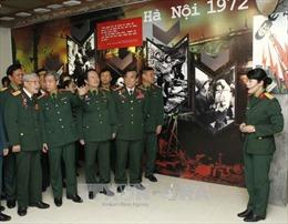 Triển lãm 'Bản hùng ca Điện Biên Phủ trên không'