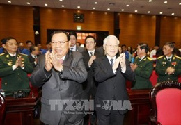 Tổng Bí thư, Chủ tịch nước Lào gặp gỡ cựu quân tình nguyện Việt Nam và thế hệ trẻ hai nước