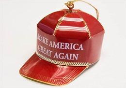 Đồ Giáng sinh của Tổng thống Trump hạ giá vẫn 'ế'