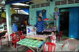 Người dân TP Hồ Chí Minh trở về nhà, thở phào vì bão 16 không vào