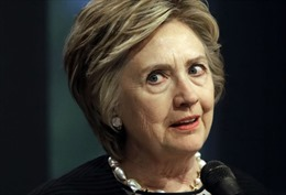 Tạp chí Mỹ xin lỗi vì khuyên bà Clinton đan len thay vì tranh cử