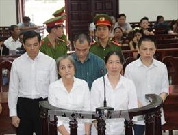 Phạt tù nhóm buôn lậu xe Lexus, Mercedes từ Campuchia về Việt Nam