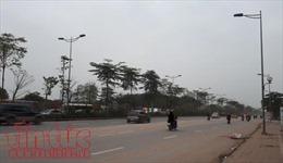 Xe chở vật liệu chạy rầm rầm, tuyến đường Võ Chí Công lại bụi bẩn ô nhiễm