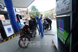 Chuyên gia đề nghị công bố minh bạch giá các loại xăng